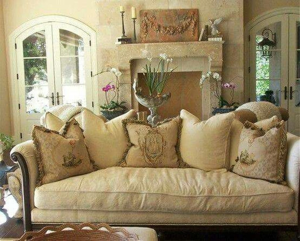 Cozy French Country Living Room Decor Ideas 42