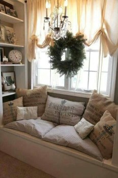 Cute Shabby Chic Farmhouse Living Room Design Ideas 34