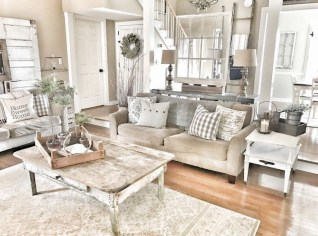 Cute Shabby Chic Farmhouse Living Room Design Ideas 41