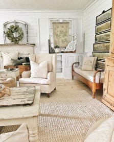 Cute Shabby Chic Farmhouse Living Room Design Ideas 47