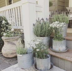 Elegant Farmhouse Front Porch Decor Ideas 28