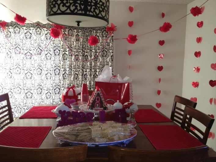 Inspiring Table Decoration Ideas For Valentines Party 13