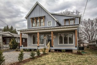 Modern Farmhouse Exterior Designs Ideas 13