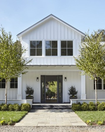 Modern Farmhouse Exterior Designs Ideas 28