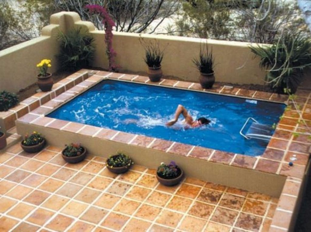 Adorable Small Indoor Swimming Pool Design Ideas 15