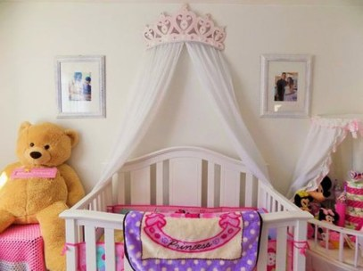 Awesome Canopy Bed With Sparkling Lights Decor Ideas 51
