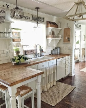 Cute Rustic Farmhouse Home Decoration Ideas 14