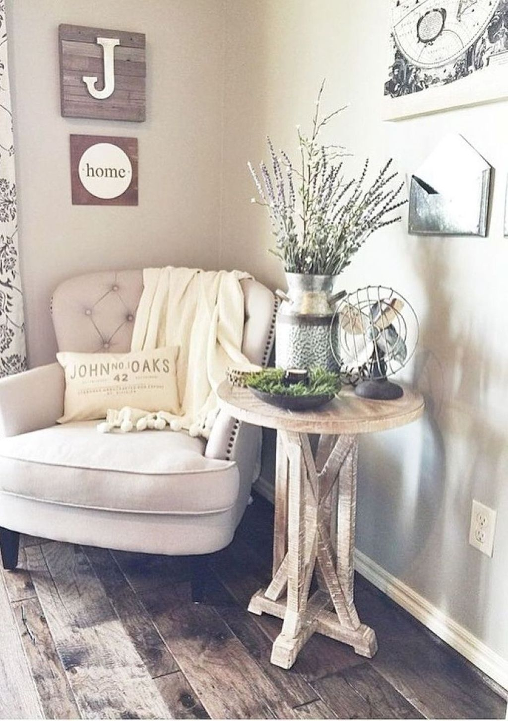 Cute Rustic Farmhouse Home Decoration Ideas 37