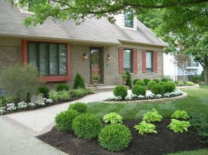 Gorgeous Front Yard Landscaping Remodel Ideas 05