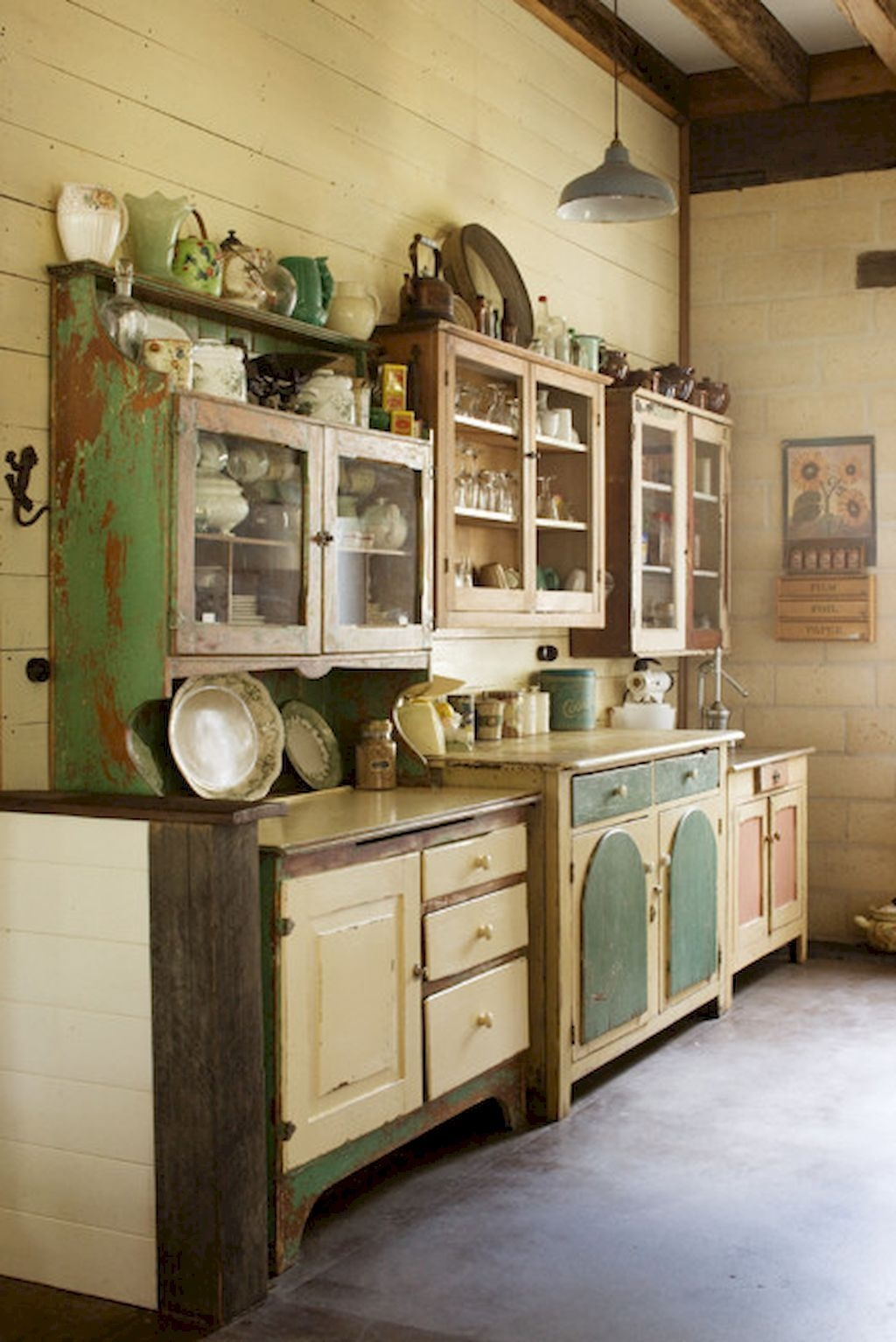 Gorgeous Rustic Farmhouse Kitchen Decoration Ideas 34