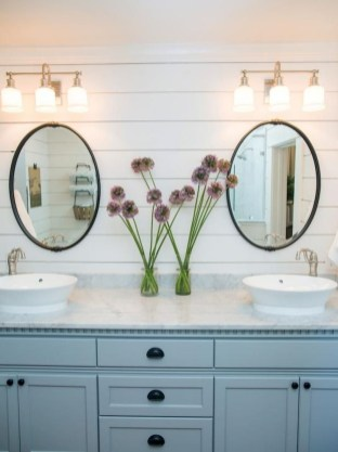 Modern Farmhouse Bathroom Vanity Design Ideas 36