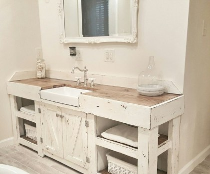 Modern Farmhouse Bathroom Vanity Design Ideas 42