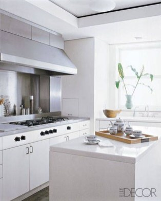 Simple Minimalist Small White Kitchen Design Ideas 10