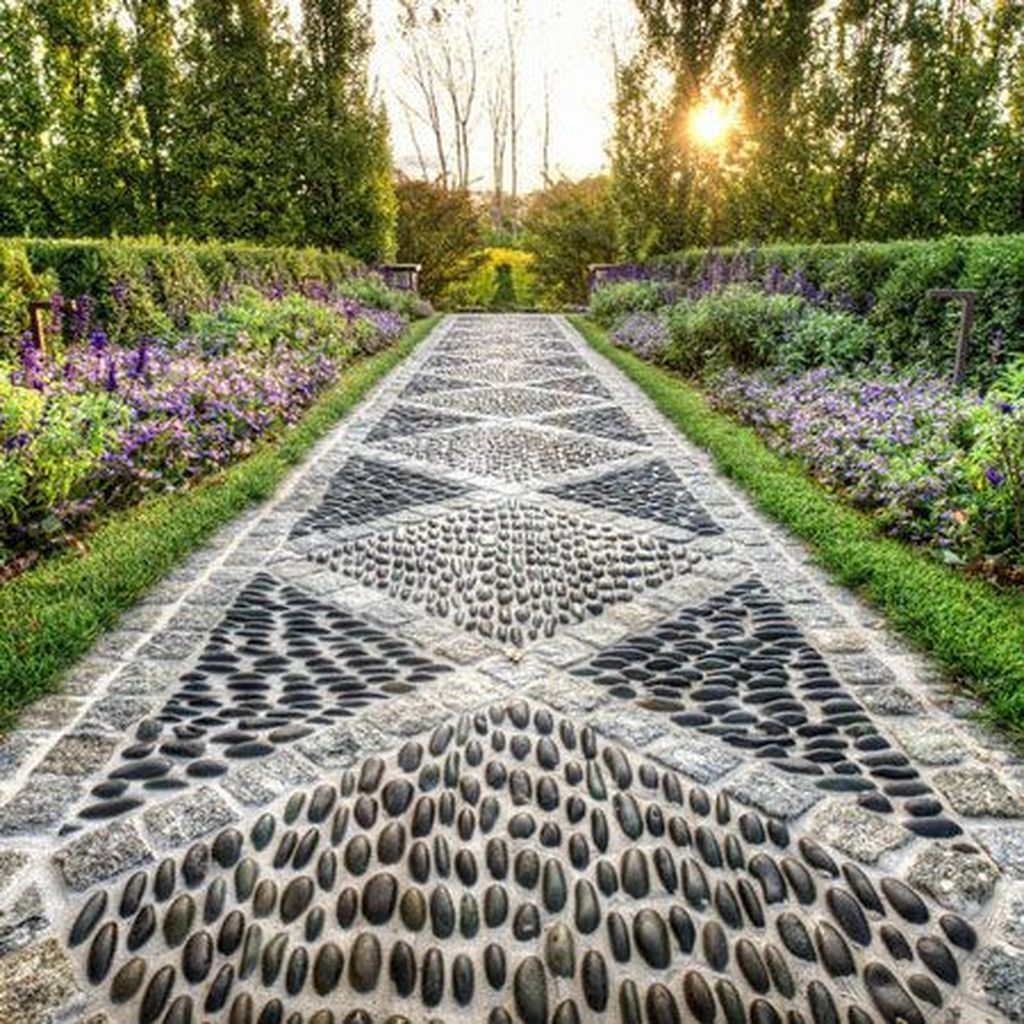 Stylish Stepping Stone Pathway Décor Ideas 07