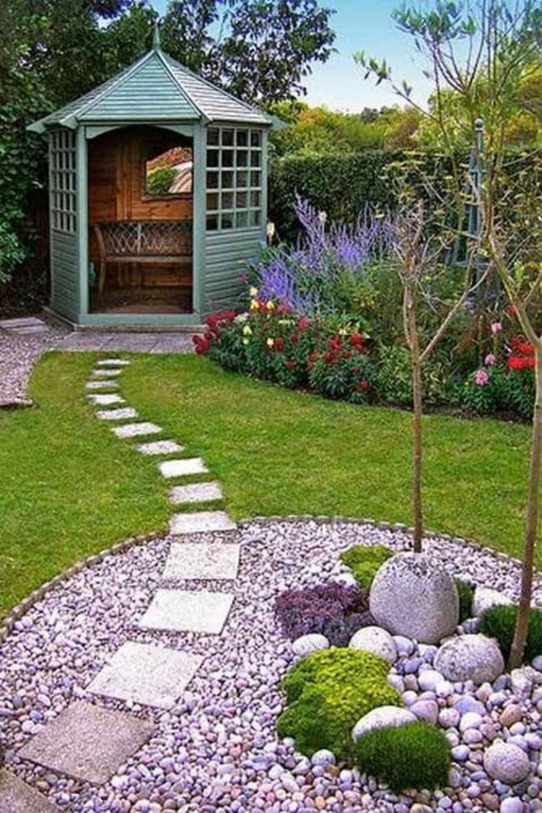 Stylish Stepping Stone Pathway Décor Ideas 47
