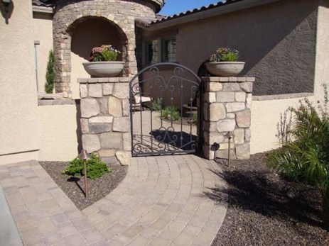 Totally Inspiring Front Yard Fence Remodel Ideas 01