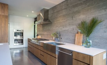 Astonishing U Shaped Kitchen Remodel Ideas 07