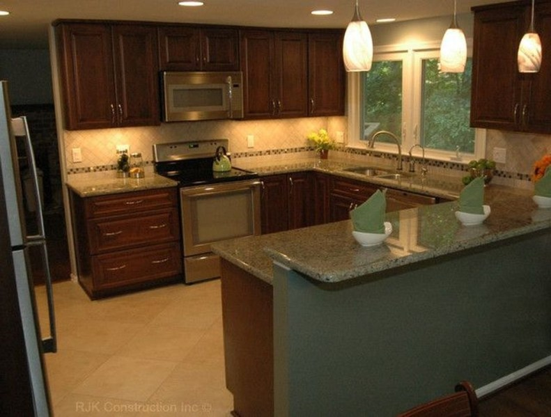 Astonishing U Shaped Kitchen Remodel Ideas 14