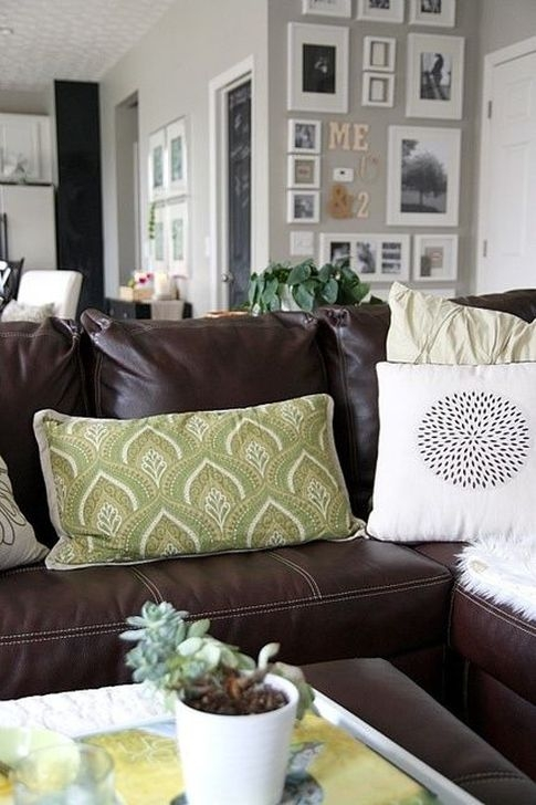 Beautiful Leather Couch Decorating Ideas For Living Room04