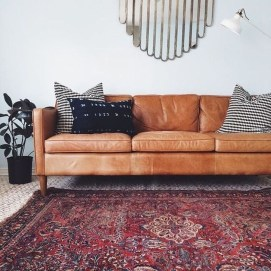 Beautiful Leather Couch Decorating Ideas For Living Room10