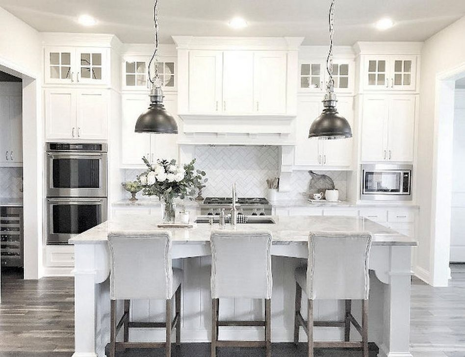 Gorgeous White Kitchen Cabinet Design Ideas 28