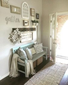 Stunning Farmhouse Entryway Decoration Ideas 30