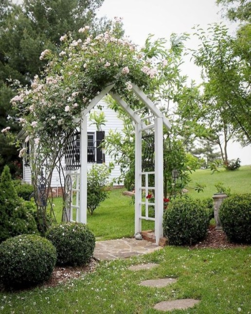 Absolutely Difference Small Backyard Landscaping Ideas 29