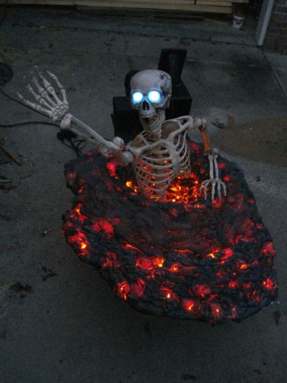 Amazing Halloween Black Decor Ideas To Scary Party Ever 01