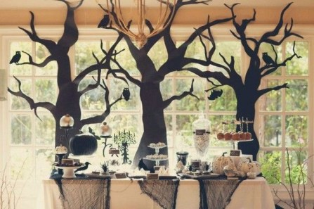 Amazing Halloween Black Decor Ideas To Scary Party Ever 09