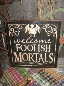 Amazing Halloween Black Decor Ideas To Scary Party Ever 15