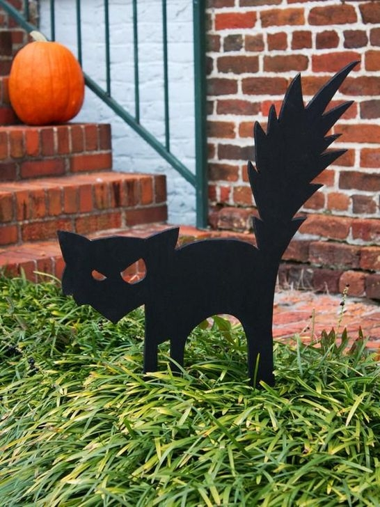 Amazing Halloween Black Decor Ideas To Scary Party Ever 17