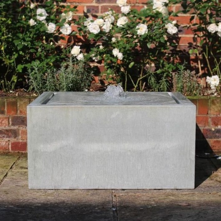 Amazing Modern Water Feature For Your Landscape31