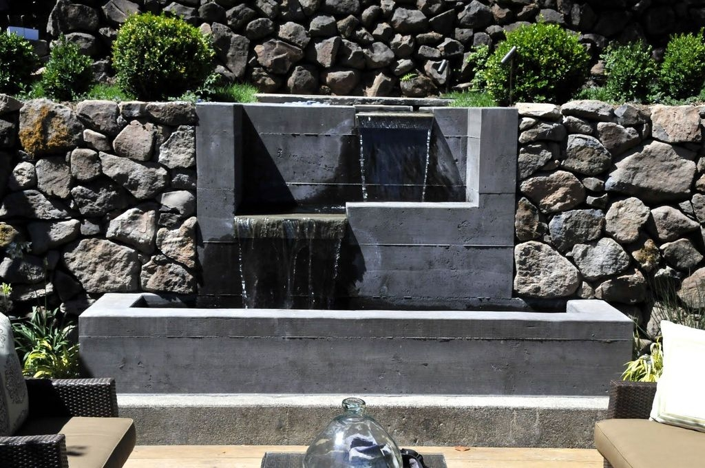 Amazing Modern Water Feature For Your Landscape32