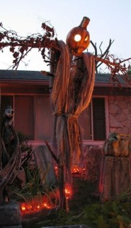Cozy Vintage Halloween Decoration For Outdoor Ideas 02