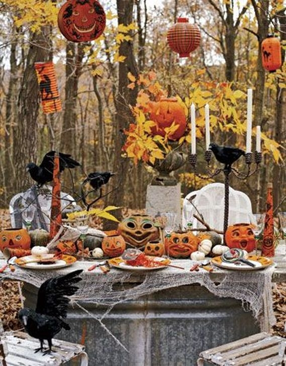 Cozy Vintage Halloween Decoration For Outdoor Ideas 43