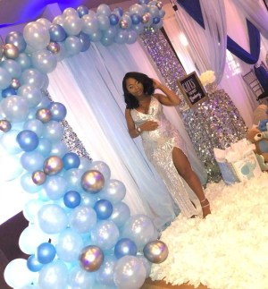Charming Winter Themed Baby Shower Decoration Ideas17