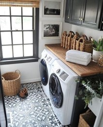 Popular Farmhouse Laundry Room Decorating Ideas11