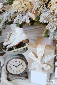 Popular White Christmas Design And Decor Ideas43