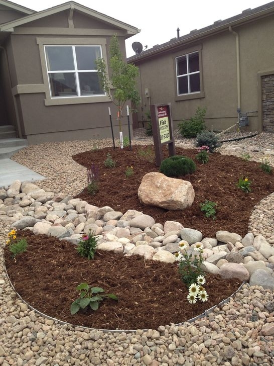 Pretty Front Yard Rock Garden And Landscaping Ideas13