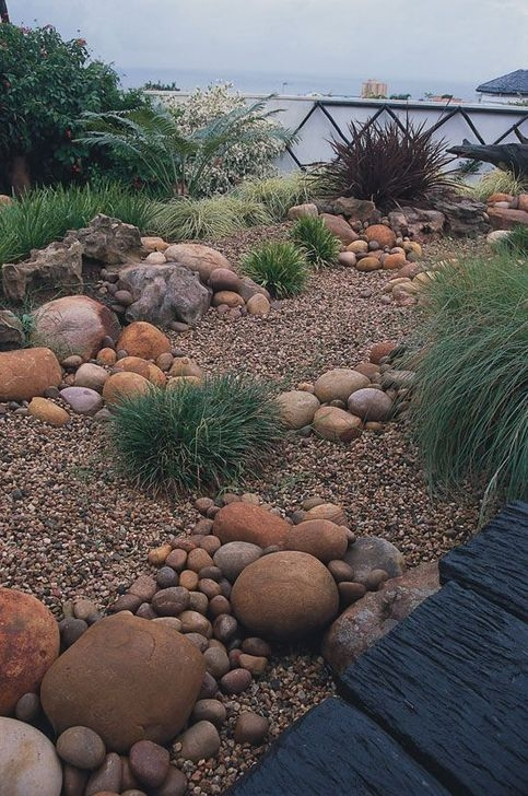 Pretty Front Yard Rock Garden And Landscaping Ideas28