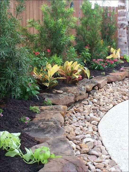 Pretty Front Yard Rock Garden And Landscaping Ideas33