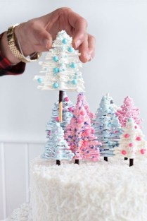 Simple Diy Winter Party Decoration Ideas33