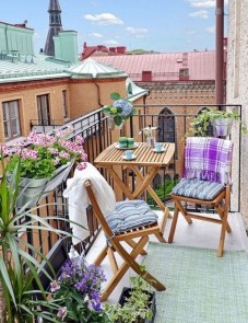 Unique Apartment Balcony Design And Decor Ideas39