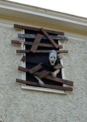 Unique Crafty Diy Outdoor Halloween Decorating Ideas12