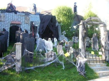 Unique Crafty Diy Outdoor Halloween Decorating Ideas20