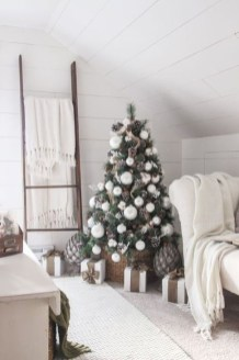 Amazing Christmas Decorating Ideas For Small Spaces12