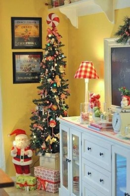 Amazing Christmas Decorating Ideas For Small Spaces26