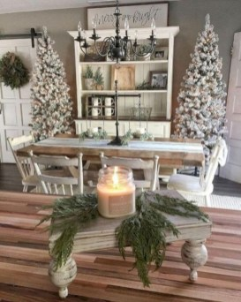 Amazing Christmas Decorating Ideas For Small Spaces28