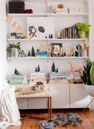 Amazing Christmas Decorating Ideas For Small Spaces34