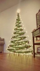 Amazing Christmas Decorating Ideas For Small Spaces38